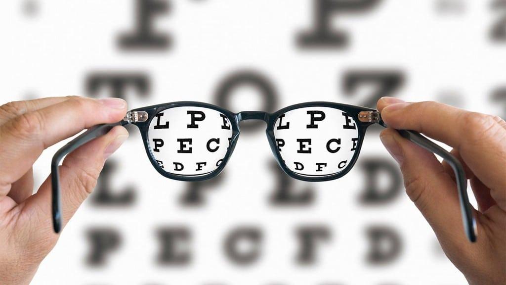 66dac4f58 Presbiopia Em seu estado mais saudável, sua lente muda de forma para que  ele possa dobrar os raios de luz mais e concentrá-los em sua retina na  parte de ...