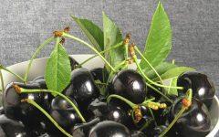 Os 17 Benefícios da Cereja Preta Para Saúde