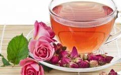 Os 10 Benefícios do Chá de Rosas Para Saúde