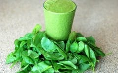 Os 10 Benefícios do Suco de Espinafre Para Saúde
