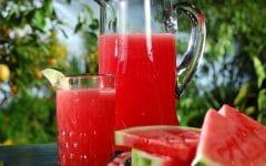 Os 12 Benefícios do Suco de Melancia Para Saúde