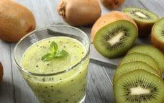 Os 10 Benefícios da Vitamina de Kiwi Para Saúde
