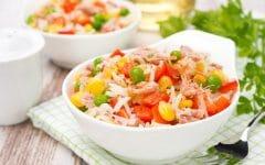 Receita de Salada Colorida com Peito de Frango