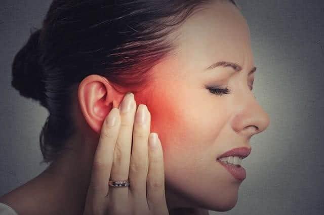 dor de ouvido